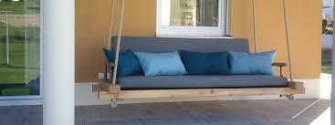 hänge und terrassenschaukeln aus holz bayerwood
