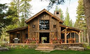 Engaging Rustic Cool Barn House Design And Decoration Ideas Using Wood Exterior Wall Paneling Including