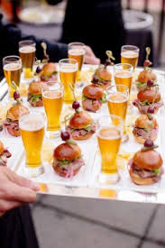 Unique Wedding Catering Ideas 23 Yummy Burger And Ways To Display Them Simple Outdoor Reception