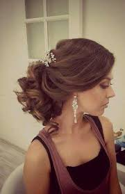 cuisiner les chignons wedding hairstyle large curls for shoulder length hair andrea