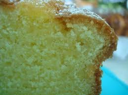 gateau pate d amande facile gâteau facile et rapide à la pâte d amande chez cathytutu