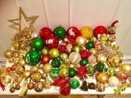100 Traditional Christmas Baubles Includes Star Tree Topper