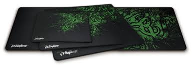test razer goliathus speed edition un tapis de souris gamer