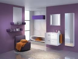 lila badezimmer interior sieht und stilvoll aus
