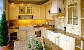 küche mit steinwand steinpaneele kücheneinrichtung