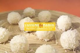 boules de neige au sucre glacé et noix de coco