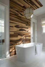 wandverkleidung laminat holz badezimmer idee tipps badewanne