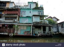 100 Homes In Bangkok Local Homes In The Klongs Of Thailand Stock Photo