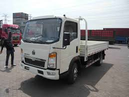 China HOWO 4X2 102PS 4t 20FT EU-3 Drop-Side Truck - China Light ...