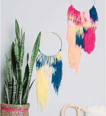 10 Easy DIY Yarn Wall Hangings To Liven Up Those Empty Walls