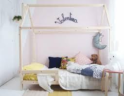 cabane dans la chambre un lit cabane pour une chambre d enfant