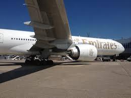 boeing 777 extended range file boeing 777 300er emirates dus jpg wikimedia commons