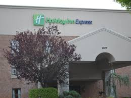 Christmas Tree Shop Hartsdale by Find White Plains Hotels Top 55 Hotels In White Plains Ny By Ihg