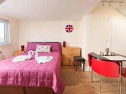 100 Apartments In Harrow Russland UK Bookingcom