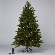 Prelit Christmas Tree That Lifts Itself by Santa U0027s Best 108 Function Pre Lit European Fir Christmas Tree