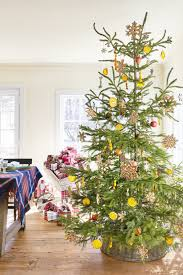Best Smelling Christmas Tree Types by 60 Best Christmas Tree Decorating Ideas How To Decorate A