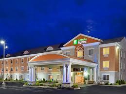 Holiday Inn Express & Suites 1000 Islands Gananoque Hotel by IHG