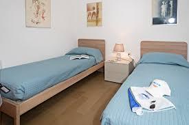 regarda villa valesana in lazise 3 schlafzimmer 2 bäder pool