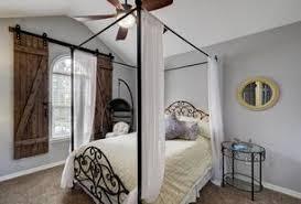 1 Tag Rustic Guest Bedroom