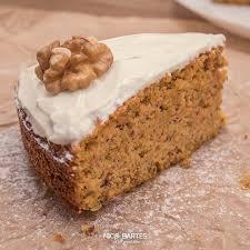 gesunder veganer low carb karottenkuchen rüblikuchen möhrenkuchen mit nüssen