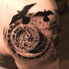 15 Beautiful Timeless Compass Tattoos