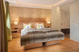 schlafzimmer im modernen landhausstil modern