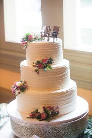 This Textured Buttercream Stripe Design Is Rustic Easy And One Of My Favorite Looks I Love It So Much Chose For Wedding Cake Pictured Above