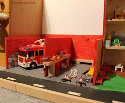 schleich und playmobil holz haus bauen