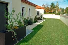 jardin de maison amenagement jardin gravier reference maison
