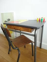 bureau enfant vintage bureau maternelle bureau bois enfant lepolyglotte