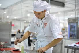 salaire chef cuisine commis de cuisine métier études diplômes salaire formation