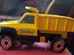 2012 HASBRO TONKA CLASSICS LARGE STEEL DUMP TRUCK - 14 [253234813355 ... Tonka 26670 Ts4000 Steel Dump Truck Ebay Classic Mighty Walmartcom Review What The Redhead Said 17 Home Hdware Toughest Site Cstruction Quarry Unboxing Toy Trucks Amazoncom Handle Color May Vary Vehicle Play Vehicles Ardiafm Ts4000 Toys Games 65th Anniversary Of Funrise_toys