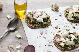 cuisine crue pizza crue hivernale vegan au vert avec lili