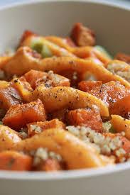 patate douce cuisine salade tiède veggie bowl au quinoa patate douce rôtie et poireau