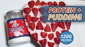 valentinstag protein pudding kuchen mit whey erdbeeren