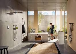 geometrische formen und klare linien im badezimmer hwz
