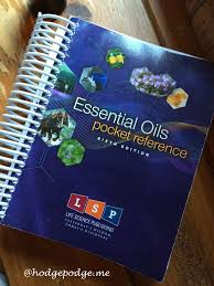 Essential Oils Desk Reference 6th Edition Australia by Essential Oils Desk Reference 5th Edition Australia 100 Images
