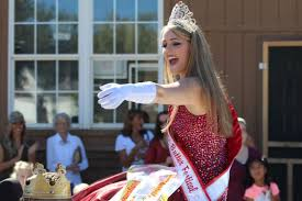 Pumpkin Festival Pageant Wv by Apple Butter Festival And Parade Enjoyed By Visitors Community