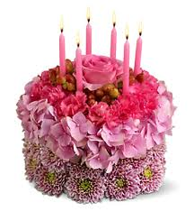 Three tones pink fresh flowers bithday cakes with pink candles PNG