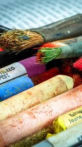 750x1334 Wallpaper Brushes Chalk Pastels Art Supplies