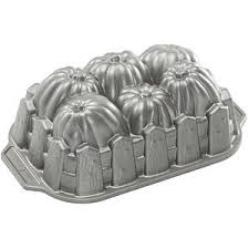 Nordic Ware Pumpkin Cake Pan Recipe by 30 Best Cake Pans Images On Pinterest Bakeware Beverage And