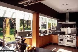 agrandissement cuisine extension cuisine cuisine moderne bois et blanc cuisines francois