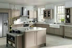cuisine blanche mur taupe beautiful cuisine blanc taupe contemporary design trends 2017