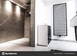 modernes badezimmer klein luxurioes modern mit offener dusche 256866028