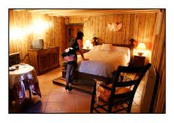 chambres d hotes coquines chambre d hôte domaine des vieux chenes à bollene en provence
