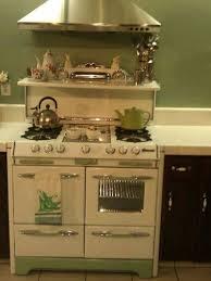 Best 25 Vintage Kitchen Decor Ideas On Pinterest