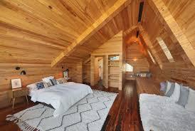 chambre en lambris chambre dans combles avec lambris