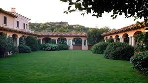 100 Sardinia House Partys Rise Puts Berlusconis Mansion Back In Spotlight