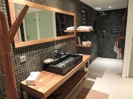 hotel dans la chambre ile de salle de bain de la chambre il y en a une deuxième au rdc
