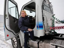 100 Female Truck Driver Lack Of Women In Trucking Could Threaten Industry Morgan